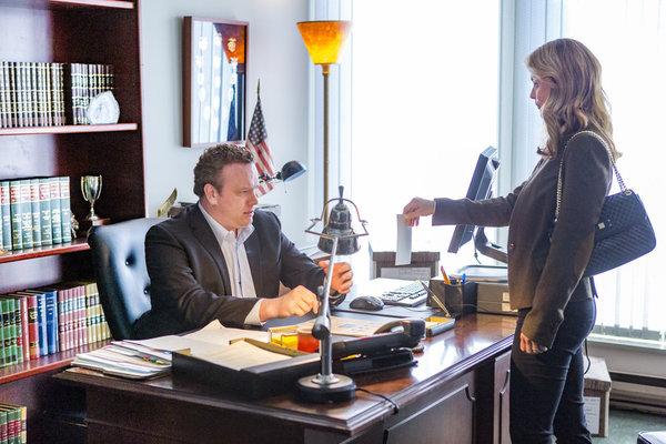 Kevin O' Grady as Detective Lynwood, Lori Loughlin