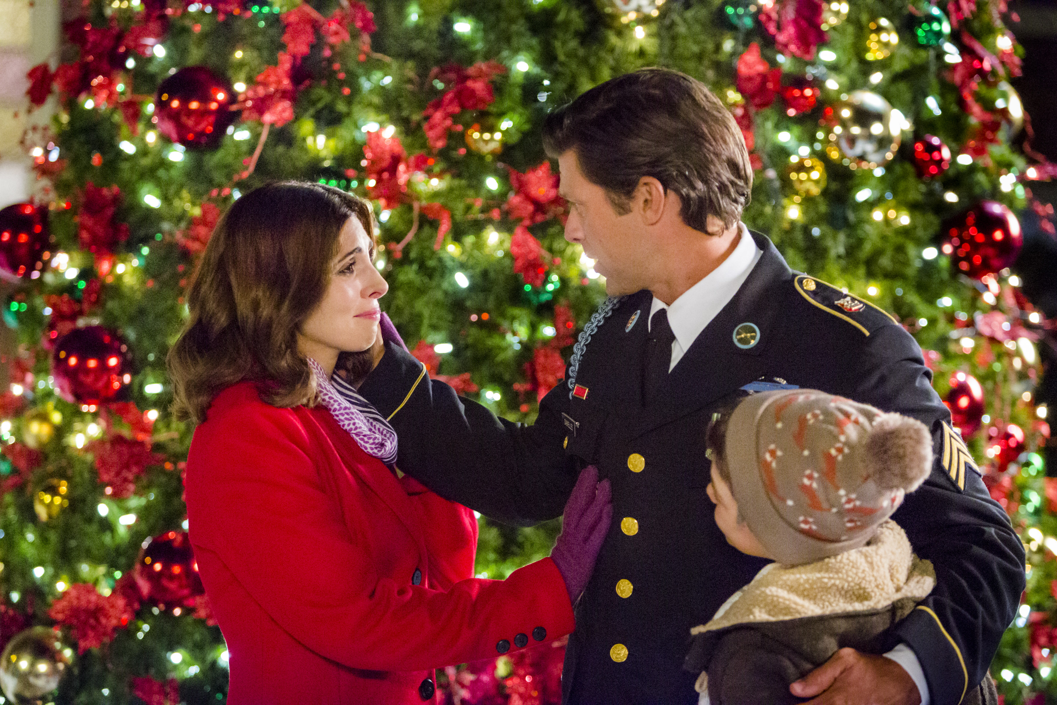 having just moved back to her hometown without her serviceman husband but with her young son - Undercover Christmas