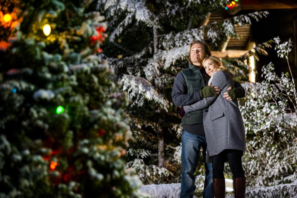 Jonathan Scarfe, Jennifer Finnigan Credit: Copyright 2015 Crown Media United States, LLC/Photographer: Marcel Williams