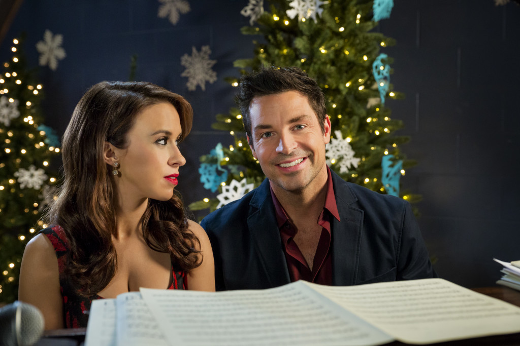 Lacey Chabert, Brennan Elliott Credit: Copyright 2015 Crown Media United States, LLC/Photographer: Brian Douglas