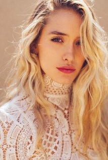 Chloe McClay (Jessica Rose)