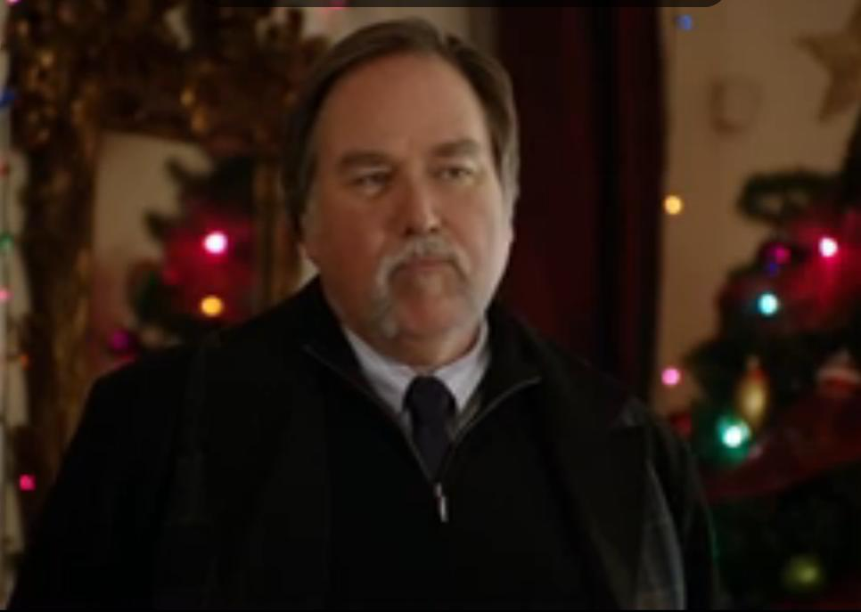 Richard Karn as Mason Richards