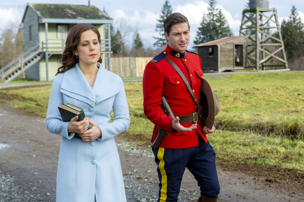 Erin Krakow (Elizabeth), Daniel Lissing (Jack) Credit: Copyright 2016 Crown Media United States, LLC/Photographer: Eike Schroter