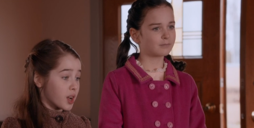Gracyn Shinyei (Emily), Imogen Tear (Hattie)