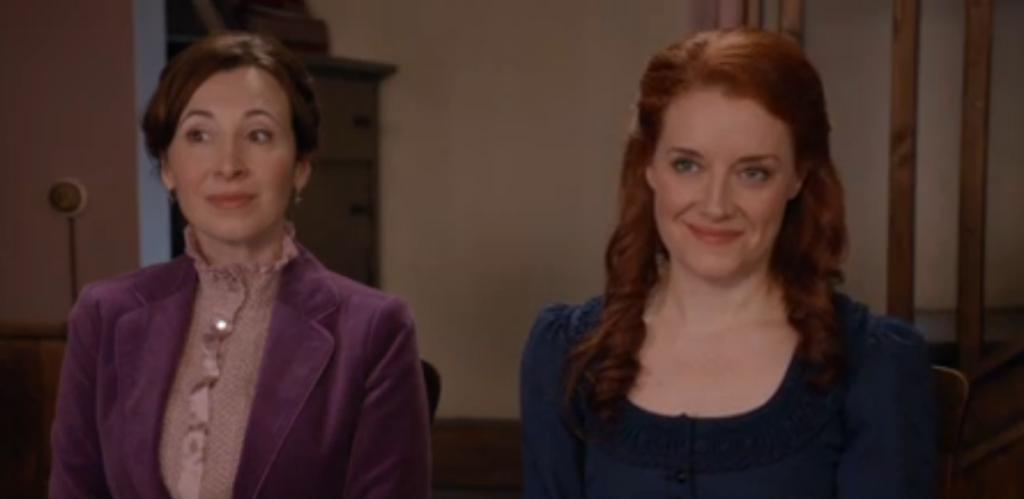 Loretta Walsh (Flo), Johannah Newmarch (Molly)