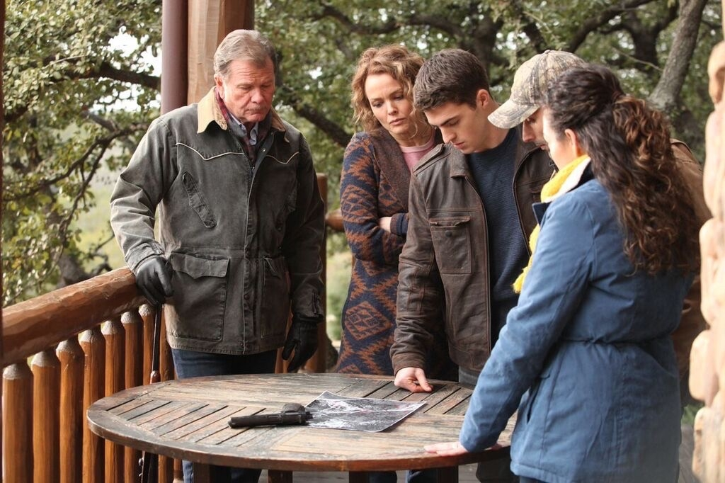 (L to R) Charlie (Gary Heavin), Kelly (Dina Meyer), Brandon (Spencer Neville), and Penny (India Eisley) prepare for imminent attack